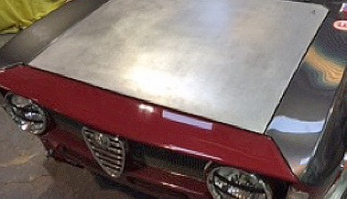 Aluminium bonnet and door for an Alfa